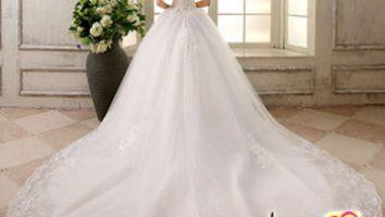 معایب و سختی های دنباله لباس عروس
