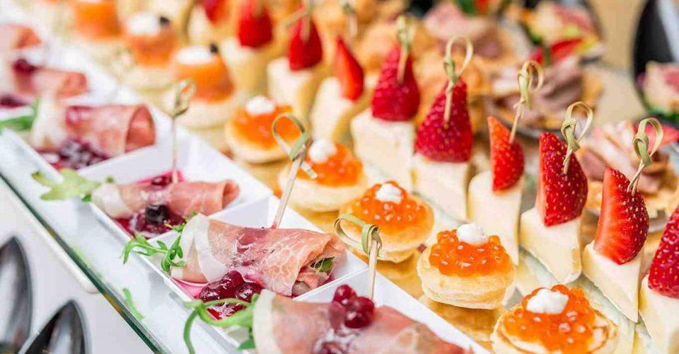 دسر و فینگر فود های جشن عروسی - عروس شهر : معرفی خدمات مراسم عروسی و خدمات زیبایی